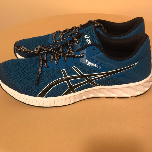 asics fuzex lyte 2 mens seamless running shoes